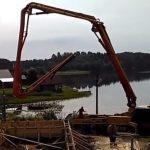 работа бетононасоса при заливке фундамента