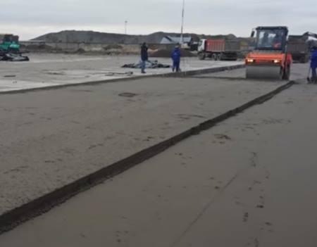 укладка дороги из тощего бетона