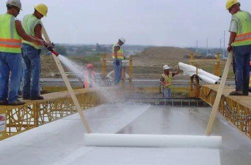 Заливка бетона летом